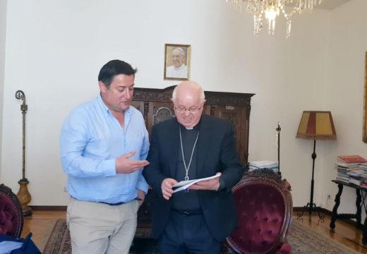 O alcalde de Boqueixón reúnese co arcebispo de Santiago para tratar a ampliación da cesión da Casa Reitoral de Lestedo
