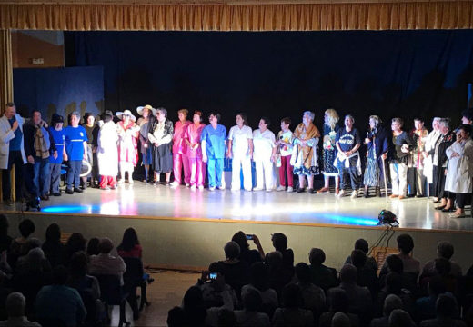 Novo éxito do segundo pase da obra 'Urxencias' representada polo Club de Maiores de Boqueixón na Casa da Cultura de Camporrapado