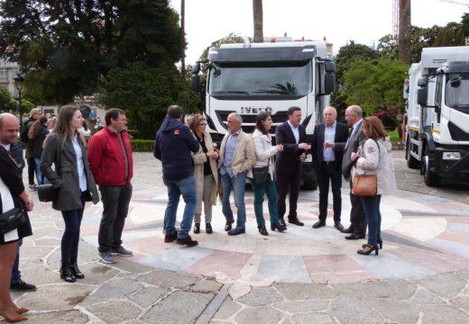A Deputación da Coruña entrega tres novos camións de recollida de lixo á Mancomunidade de Municipios Serra do Barbanza