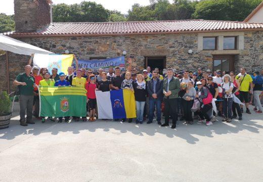 Turismo de Galicia apoia a peregrinación de máis dun centenar de menores que fan o Camiño de Santiago como vía de integración