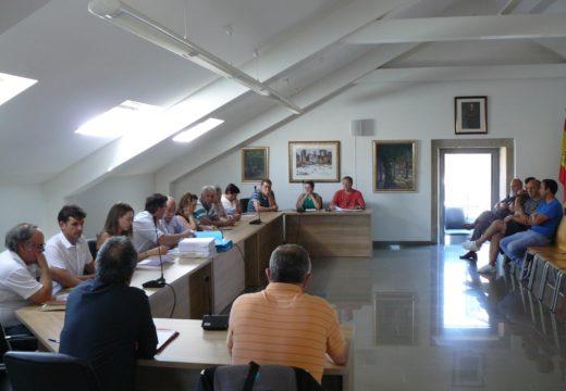 O Concello de Brión aproba a súa primeira Relación de Postos de Traballo que inclúe ao persoal funcionario e laboral