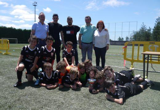 O Trofeo de F-8 Concello de Touro, para Futsal Boqueixón en alevíns e para EF Silleda en prebenxamíns