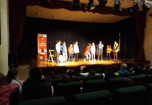 """Setenta nenos e nenas do CPI Cernadas de Castro conmemoran o Día do Medio Ambiente participando no espectáculo """"Ti tamén contas"""""""