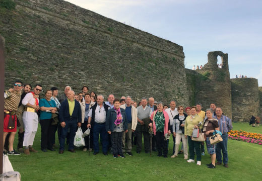 Preto de 40 veciños e veciñas de Boqueixón visitaron Lugo