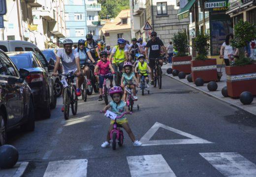 Máis de 500 veciños participaron no Día da Bici