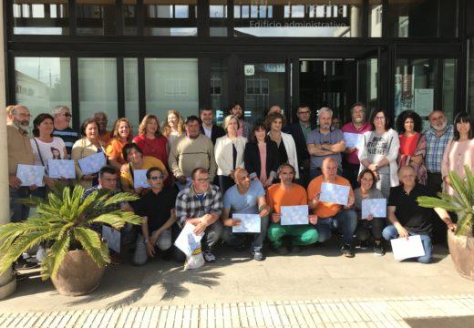 Os 20 alumnos do Obradoiro de Emprego da Laracha e Arteixo formáronse nos sectores de conservación dos montes e en carpintería e moble