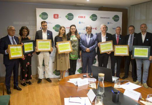 Medio Ambiente premia o traballo de 14 empresas galegas pola súa colaboración coa redución dos residuos ofimáticos