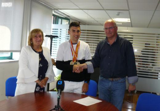 O Concello de Noia felicita ao atleta local Ramón Pérez polos seus éxitos deportivos desta tempada