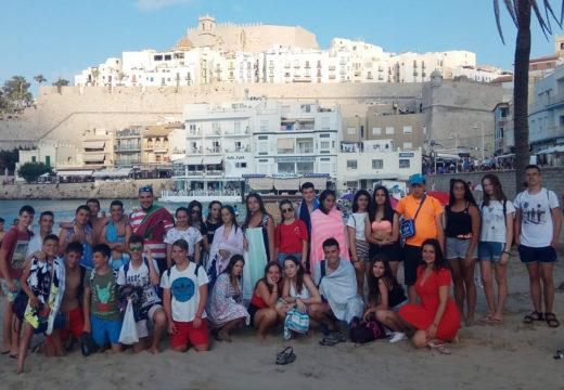 Unha trintena de mozos e mozas regresan dunha completa viaxe a Salou e Benicarló