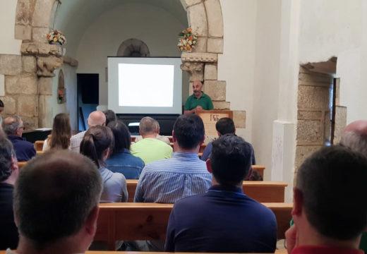 O Concello de Boqueixón finalizou o programa 'Un mes e Pico' cunha charla sobre mitoloxía e música en directo na Capela de San Sebastián