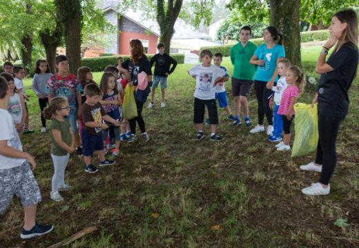 O campamento Sementeira de Moeche despide xullo cunha expedición botánica