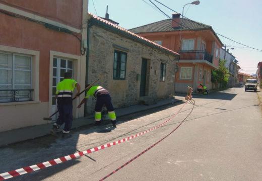 O Concello de Noia acomete arranxos nas beirarrúas na Rúa Río do Porto