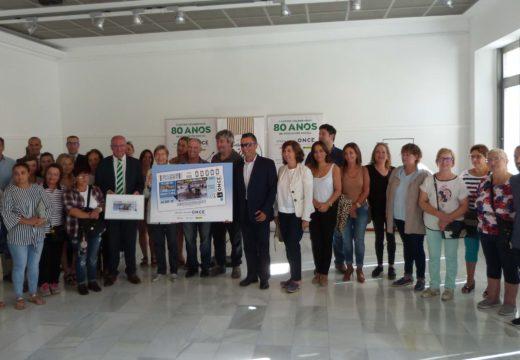 A ONCE comercializará este mércores 5,5 millóns de cupóns cunha imaxe do traballo das mariscadoras de Noia, obra de Pedro García
