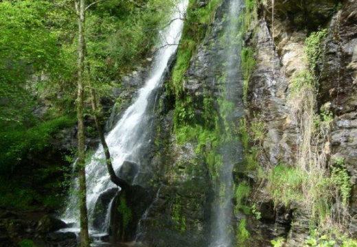 Touro recibe a homologación da ruta de sendeirismo (PR-G 233) que vai en paralelo ao Ulla dende Fervenza das Hortas ata o río Lañas