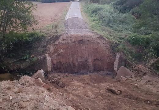 Comezan as obras da ponte sobre o río Maruzo, que dará acceso ao lugar de Augasantas e está orzamentada en 82.000 €