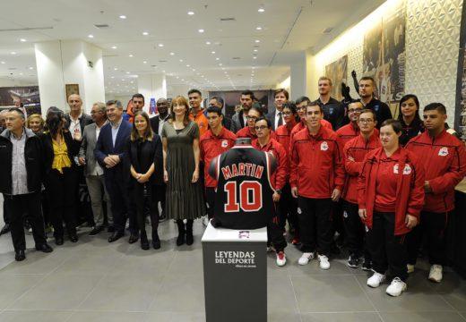 Míguez participa na inauguración oficial da exposición 'Lendas' do Museo do Deporte e cede durante a duración da mesma a xavelina coa que bateu o récord de España en 2001