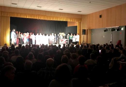 Cheo absoluto na inauguración do Ciclo de Teatro de Outono do Concello de Boqueixón