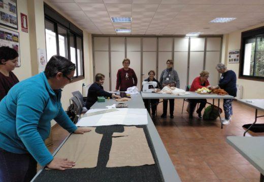 Comeza en Frades a segunda edición do curso de confección e patronaxe