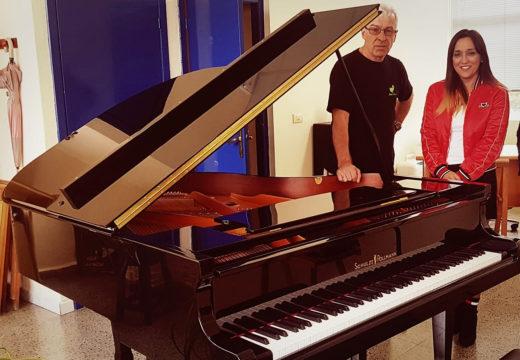 """O Concello de Noia dota ao Conservatorio Municipal """"Felipe Paz Carbajal"""" do seu primeiro piano de cola"""