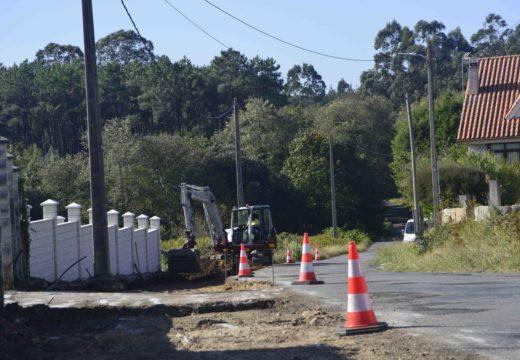 Arrancan as obras de reforzo do firme da estrada da Gándara en Oleiros