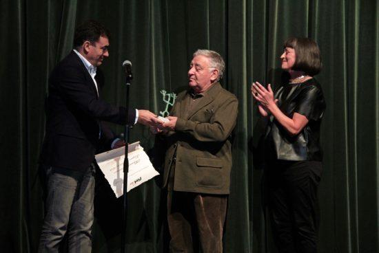 Román Rodríguez asiste á representación de 'Commedia' no FIOT, que conta co apoio da consellería