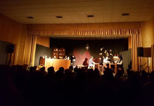 Preto de 200 persoas acudiron á cuarta sesión do Ciclo de Teatro de Outono de Boqueixón