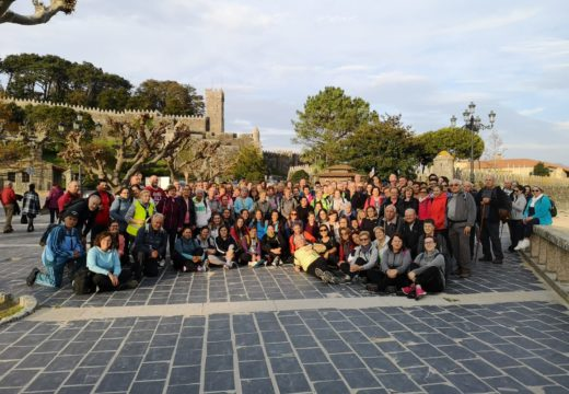 150 ordenses participan na segunda etapa do Camiño Portugués pola costa