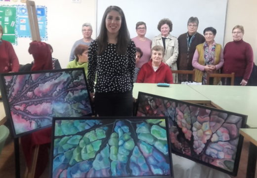Unha xoven pintora de Touro como exemplo para conmemorar o Día da Loita contra a Violencia de Xénero