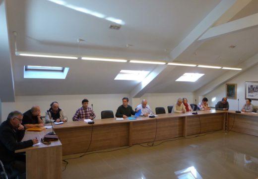 O Pleno de Brión aproba por unanimidade un investimento de máis de 624.000 euros na mellora de seis estradas do municipio