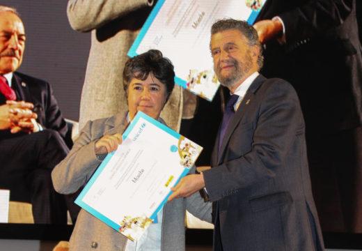 Moeche recibe en Oviedo o distintivo de «Cidade Amiga da Infancia»