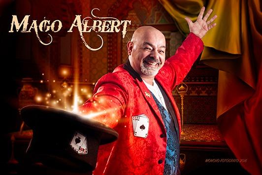 """O mago Albert de Ribadavia presentará mañá sábado o seu espectáculo """"O buhonero"""" no III Festimaxia de Lousame"""