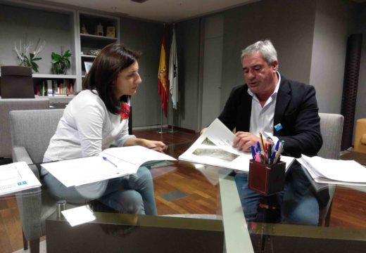 Medio Ambiente estudará colaborar co concello de Carral para impulsar un proxecto de humanización de espazos públicos