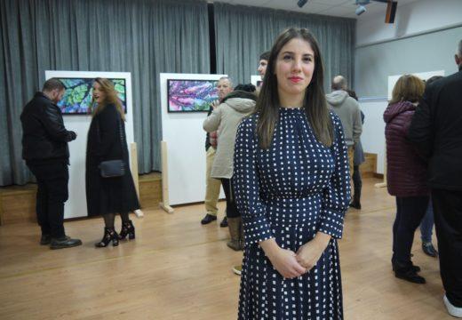 A xoven pintora Sara Naveiro inaugura a exposición da súa obra na Casa da Cultura de Touro