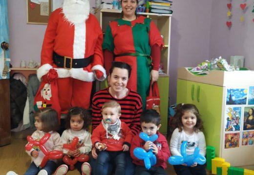O alumnado de Infantil e Primaria do CPI Ponte Carreira (Frades) reciben a visita do Paxe Real