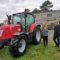 Ovidio Rodeiro presenta o novo tractor de limpeza de Mazaricos para previr os incendios forestais
