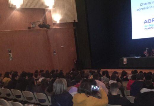 Estudantes de Ordes asisten na Casa da Cultura á xornada 'Agresións e violencia sexual'