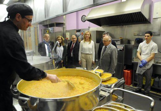 A Xunta outorga 215.000 euros á Cociña Económica da Coruña para mellorar a atención das persoas que máis o necesitan