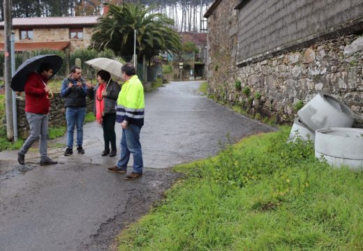 O Concello de Lousame inicia as obras de saneamento e mellora dos accesos a Figueroa
