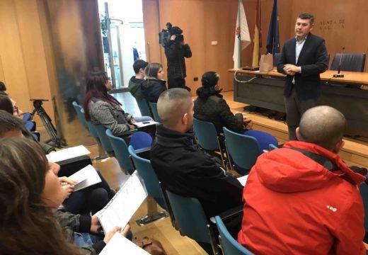 A Xunta entrega as chaves de nove vivendas de alugueiro en As Pontes destinadas a persoas menores de 35 anos e maiores de 60