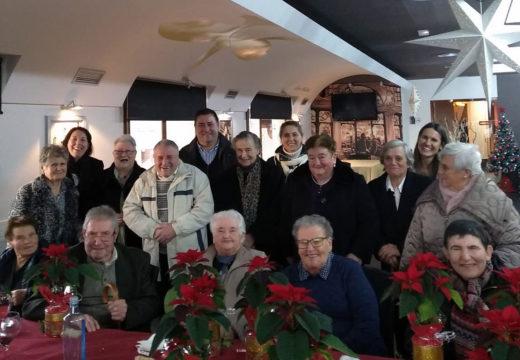 O programa Prevención da dependencia de Boqueixón celebrou a súa tradicional comida de Nadal coas 14 persoas participantes
