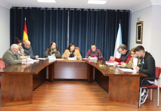 Lousame aproba a adxudicación do servizo de axuda no fogar na modalidade de dependencia por dous anos e 455.000 euros
