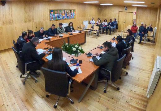 O pleno de San Sadurniño dálle luz verde ao III Plan de Igualdade nunha sesión marcada polo debate sobre a atención social