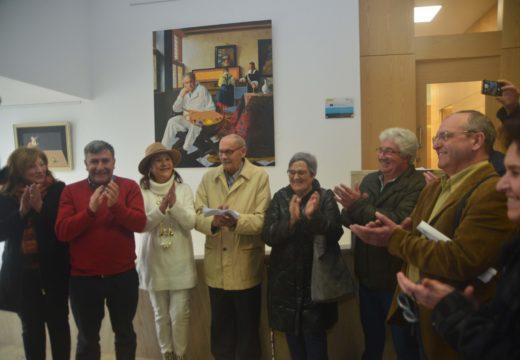 A Casa Consistorial exhibe as 21 obras máis representativas do pintor Xoán Fernández