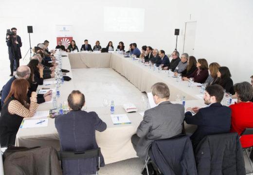 Román Rodríguez convoca aos axentes do eido cultural e turístico para preparar o Santiago do Xacobeo 21