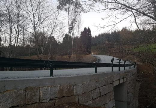 O Concello de Frades reabre á circulación a ponte sobre o Río Maruzo, tras as obras de construción dunha nova infraestrutura nas que se investiron máis de 82.000 euros