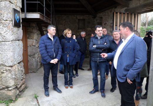 Román Rodríguez destaca o investimento de 388.000 euros para a posta en valor do Pico Sacro a través do premio Galicia parabéns