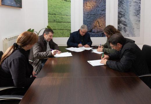 O Concello de San Sadurniño reedita os convenios coa Casa do Mel, a AGFA do Eume e A Cortiña