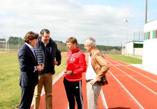 As pistas de atletismo en Ordes contarán cunha gaiola de lanzamento