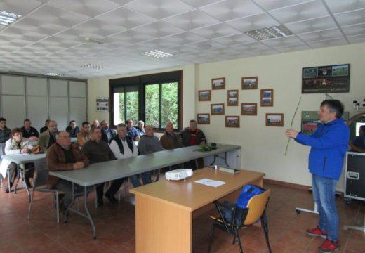 Comeza en Frades a terceira edición do Curso de Poda e Enxertos con 20 veciños e veciñas participantes