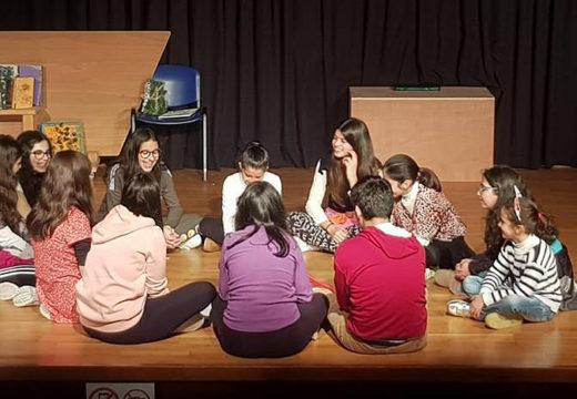 """A Casa da Cultura de Lousame acollerá mañá sábado a estrea da obra """"Agapé"""", do grupo de teatro afeccionado local Teatrando Alecrín"""